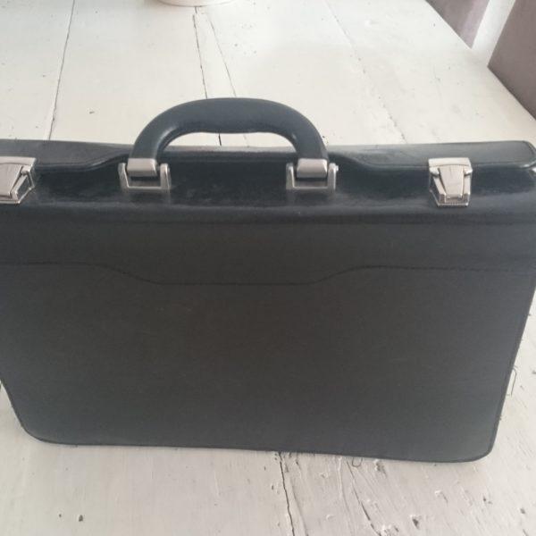D124 koffer 1